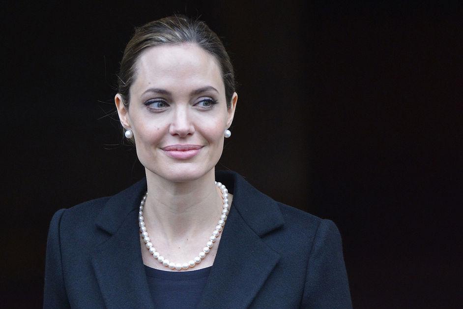 Angelina-Jolie-en-27eme-position