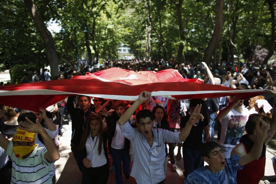 PARIS MATCH İstanbul 3 Haziran 2013 Fotoğraf: Stoyan Nenov - Reuters