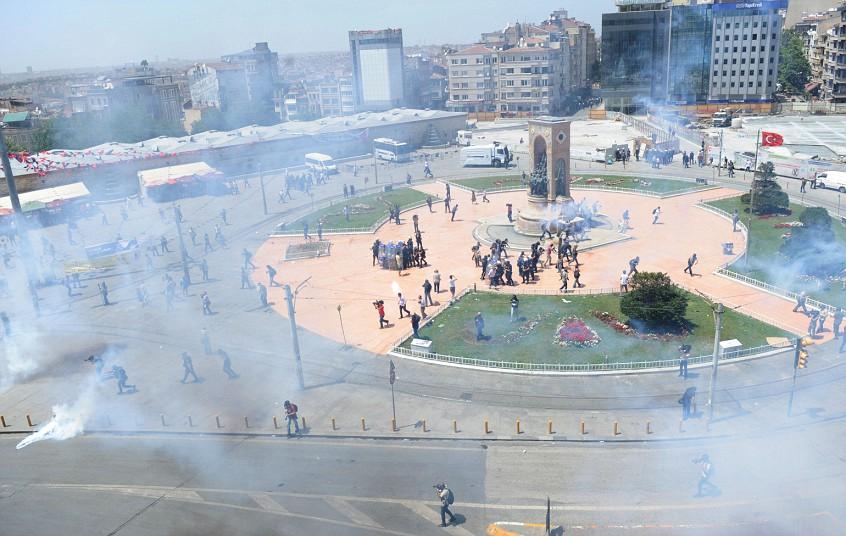 THE TELEGRAPH 31 Mayıs 2013 İstanbul Fotoğraf: Barcroft Media