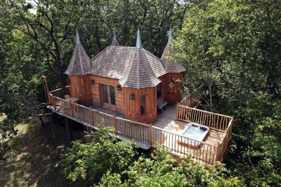 photos-luxury-tree-houses-airbnb.sw.6.airbnb-tree-houses-ss03