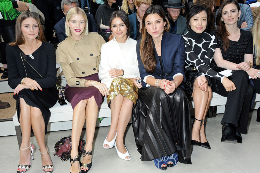 Olivia Palermo, Elena Perminova Miraoslava Duma, bilinmeyen bir konuk, Jeon Do-yeon ve Hayley Atwell: Ayrıca Burberry de