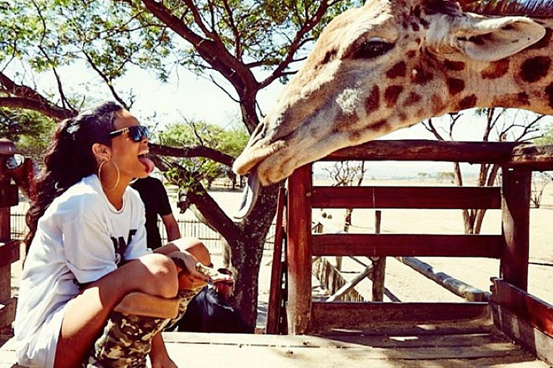 Rihanna-at-the-Zoo-2369502-1