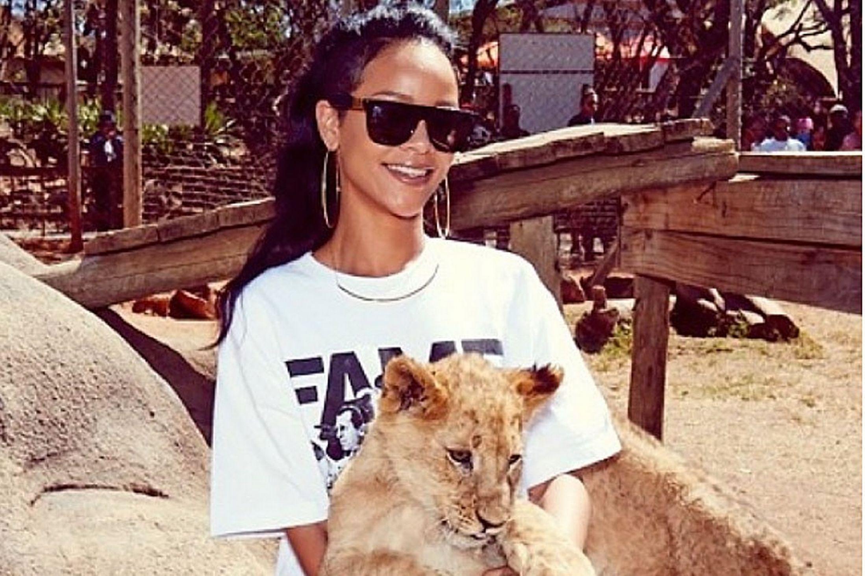 Rihanna-at-the-Zoo-2369503