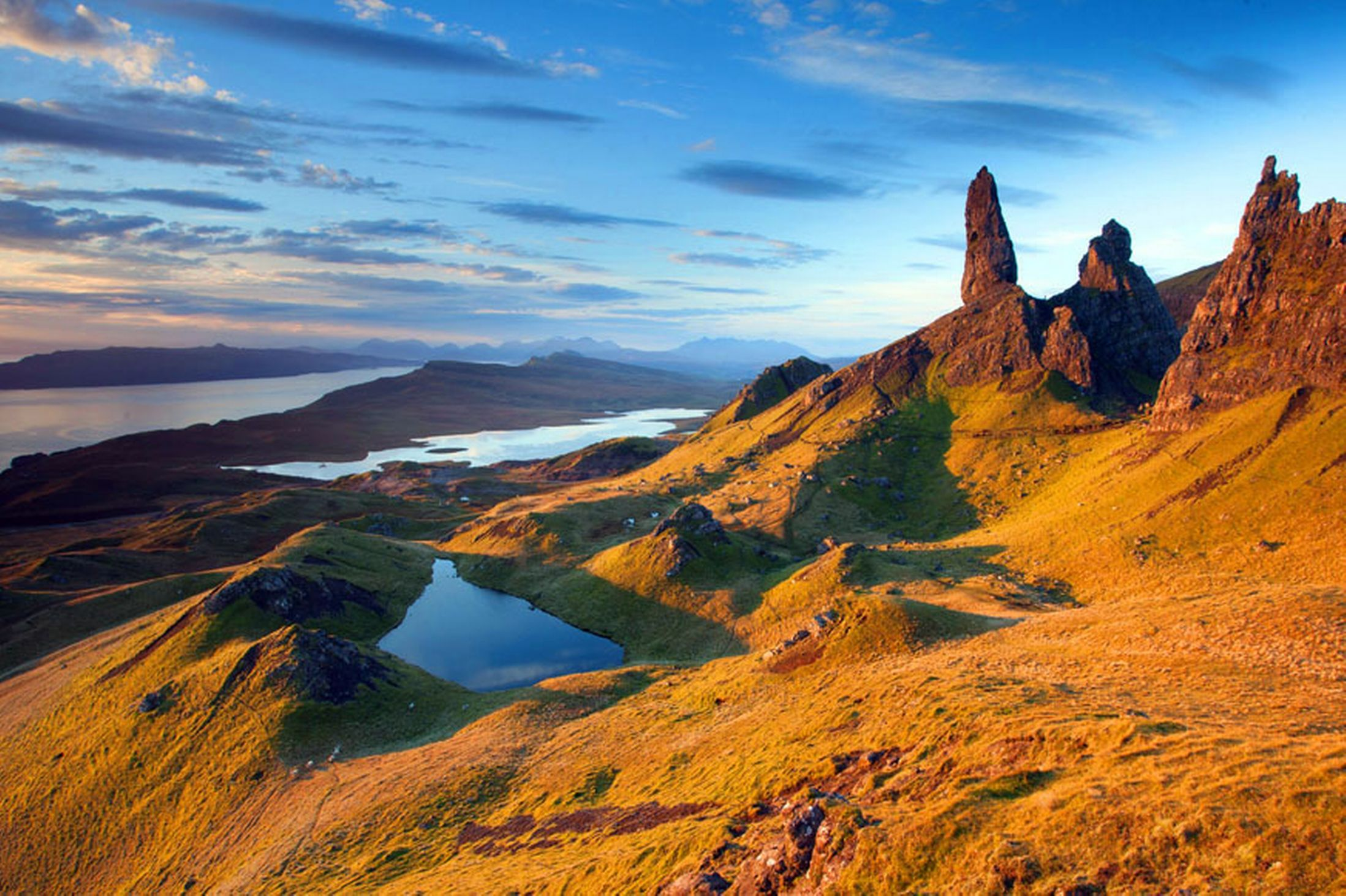 Sunrise-over-the-Old-Man-of-Storr-on-the-Isle-of-Skye-2641169