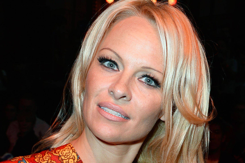 Pamela-Anderson-2579950