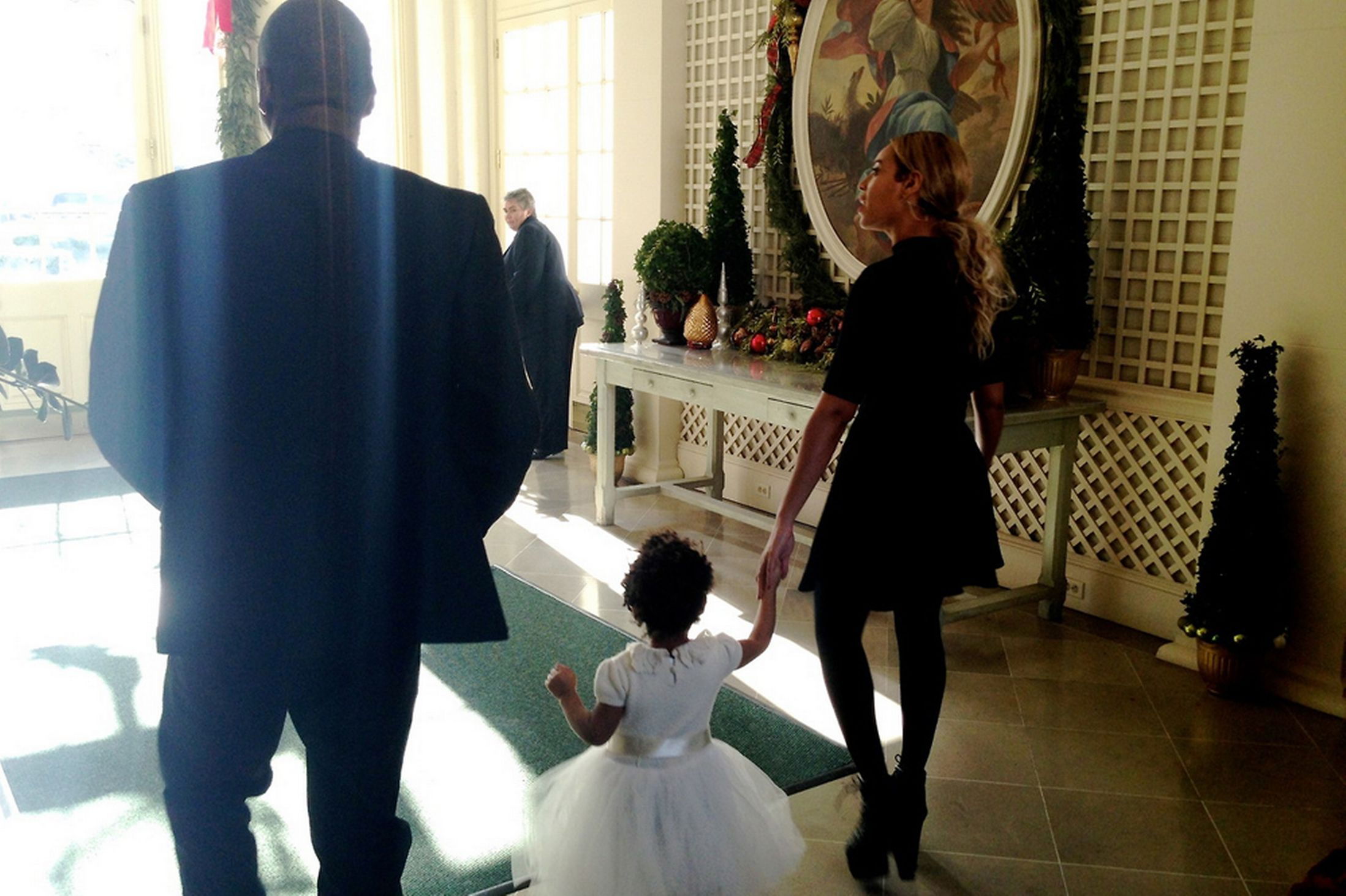 Beyonce-at-Michelle-Obamas-50th-Birthday-3040388