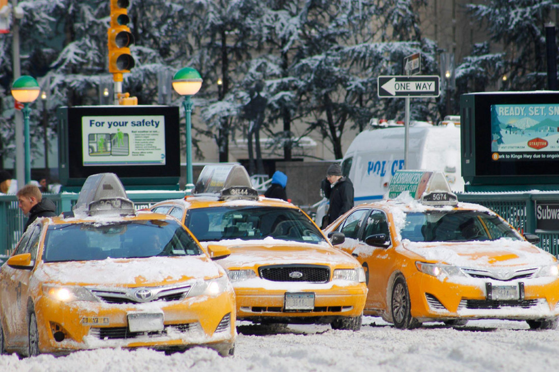 NEW YORK TAKSİ Mİ? YES... TAKSİ VAR MI? TAKSİ ÇOK, AMA GİDECEK YOL YOK!