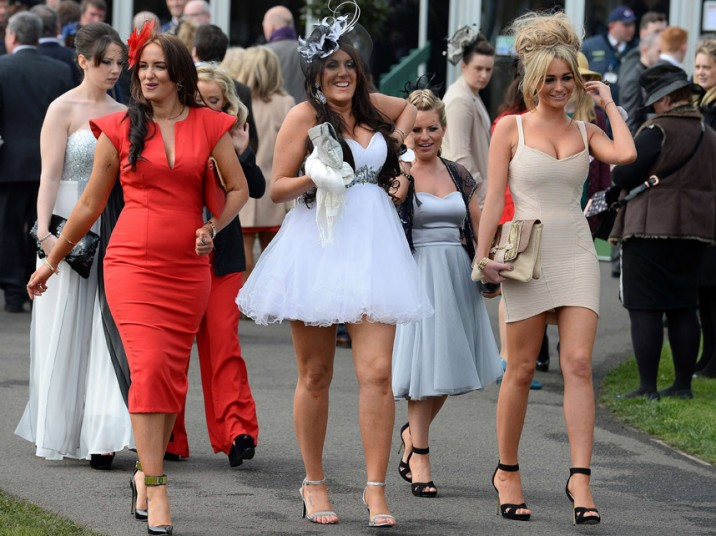 aintree-ladies-day_2872654k
