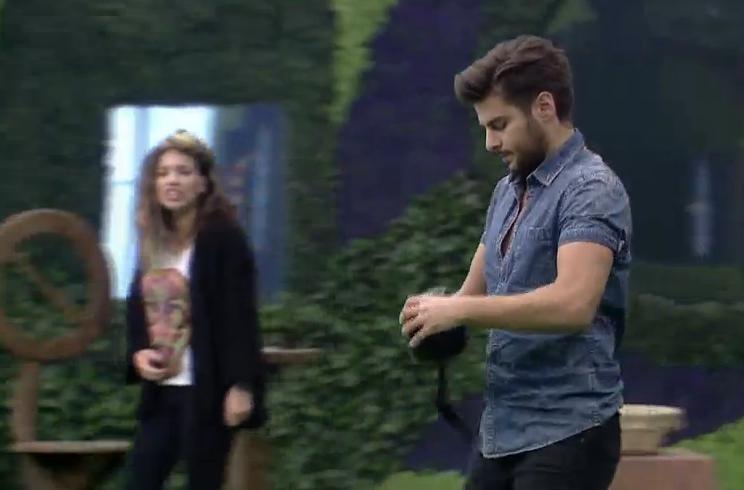 Star TV'de yayınlanan Big Brother Türkiye'de İdil, arkadaşı Emrah'ı böyle motive etti!
